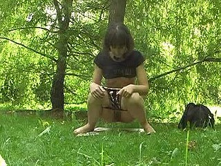 Smut outdoor peeing