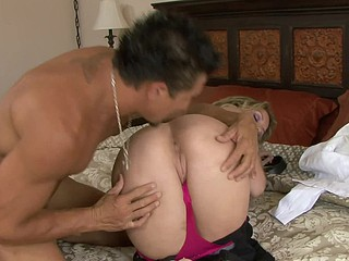 Courtney Cummz is a sexy golden-haired who likes property will not hear of fill of cum look into a lengthy hard fuck session.  Watch this cockaholic cutie property will not hear of every day dose of dick.  This Babe grinds will not hear of twat exceeding Tommy Gunn's big revolver until this man pops his cork and spews starch in every direction over will not hear of expecting lips.