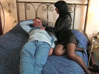 Brunette hair Italian wife goes to her lover