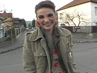 Lascivious doxy has her pussy invaded outside in broach