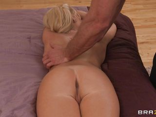 hot flaxen-haired getting oiled for a knead