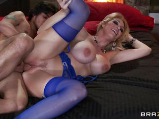 Hot blonde milf Charley Chase with large round breasts, hawt lengthy legs, large cunt and lengthy hair receives screwed sideways by a large hard cock. He widens her legs and fucks this slut hard, giving her all his dick deep inside that large wet cunt. This hawt milf loves it and takes it from behind like a nice yielding bitch. Look at her as this babe receives his penis in her cookie and the a huge load on these large hot tits.
