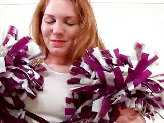 cheerleader knockout happily shows her body