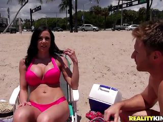 tanned milf picked up on slay rub elbows with beach