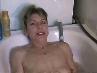 Masturbating in Baths