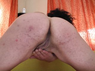 comeuppance mature woman masturbates at home!