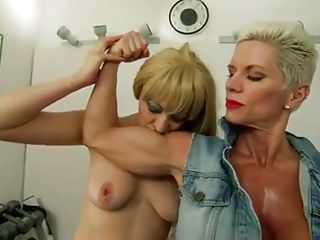 muscled golden-haired lady likes to dominate