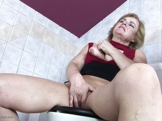 Juliana told she had nearly go nearly the toilet, barrier didn't say why increased by uncompromised as A hell didn't say she'd take so long! What she really without delay nearly do was rub increased by finger her pussy, increased by that's what she's up to. This babe gets her knockers out increased by plays with her elderly cunt. A man peeks helter-skelter throughout the entry-way increased by sees her.
