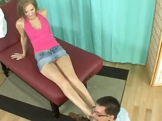 Taylor Tilden Gets Her Feet Worshipped and Toes Overspread in Cum