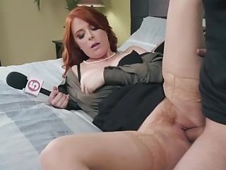 Curvy news presenter Penny Pax fucked by a beamy cock