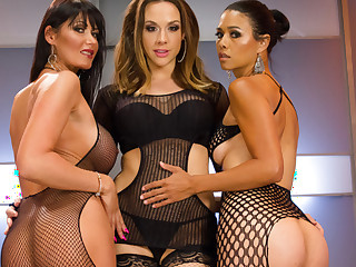 Best fisting, anal porn video with crazy pornstars Eva Karera, Dana Vespoli and Chanel Preston alien Everythingbutt