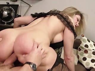 Thick ass mama dressed up in inky unmentionables gets laid