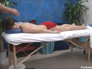 Ashlyn getting pleased by masseur