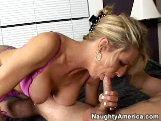 Omnibus Emma Starr trades hot oral with a well-hung young stud