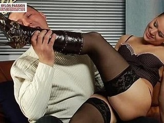 Mauricio loves legs in black stocking
