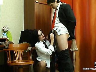 Gwendolen&Adam kinky pantyhose job scene