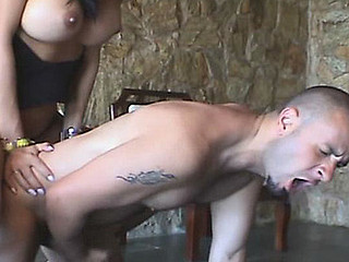 Extremely seductive shemale finds a job for constricted arsehole of muscle stud