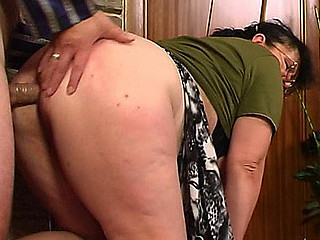 Older fleshy chambermaid exit her household chores for some hot gazoo-fucking
