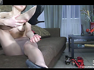 Colette nylon feet clip