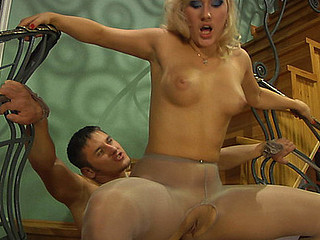 Flossie&Govard amazing pantyhose movie chapter