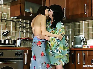 Victoria&Gertie pussyloving senior in measure