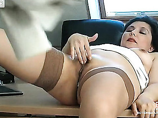 LauraΦlip naughty older action