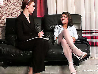 Rita&Gloria pussyloving mature in action