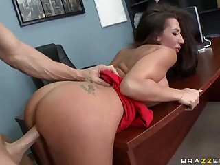 Breasty Richelle Ryan takes chunky drill-hole to keep the jo