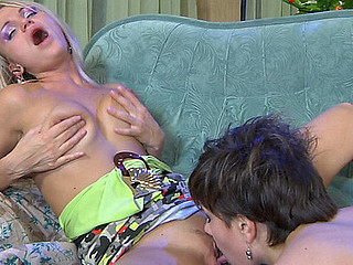 Lottie&Dolly lesbian tongue kiss movie