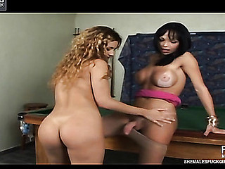 Carla&Patricia ladyboy fucking gal on pin