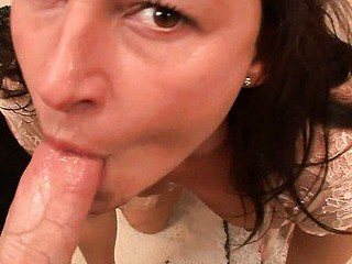 We love it when a beauty looks us unfathomable in the eye as this babe's sucking our rod to orgasmic bliss.  We get the impression that Lola can't live out of giving blowjobs so much that practically cums each time that hottie takes the hard knob of a chap this hottie likes in her mouth.