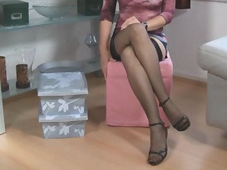 Nylons HOUSEWIFE 2
