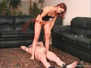 Strict Dominatrix Vanesha Tortures a Slave