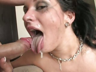 Kitty Bella gets a facial jibe a deepthroating