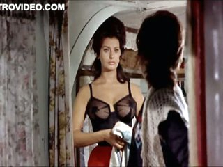 World's Hottest Output Celebrity Sophia Loren Wearing Tight Lingerie