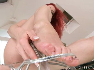 Elegant Piper Be overrun teases her sweet left-wing wet pussy with her push off
