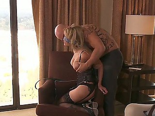 Experienced erogenous and tempting comme ci milf