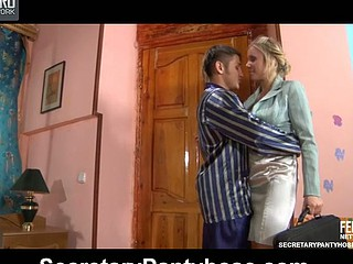 Rebecca&Govard office pantyhose sex clip