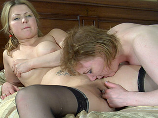 Viola&Megan lesbo older action