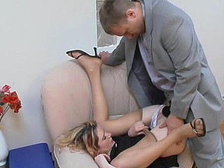 Steamy secretary giving wang a worthwhile tug engulfing on it throughout black tights