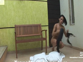 Lorena&Bruna ladyboy pantyhose action