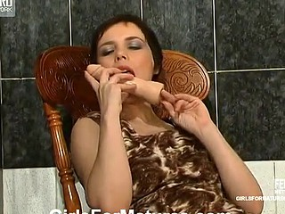 Ethel&Gwendolen pussyloving older on clip scene