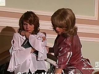 Penny&Alice lesbo older activity