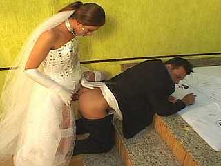 Hot sheboy bride drilling the booty of her fiance right in their nuptial couch