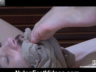 Emeralda&Geffrey mindblowing nylon feet movie