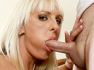 Dick skinny Anilos temptress sucks a thick cock previous more receiving some serious poundation