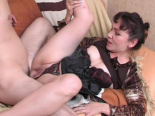Randy mother i'd like to fuck massaging a man from back to hard wang using her mouth and hands