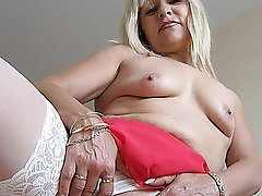 Emilia is one sexy older nympho who likes to play with herself